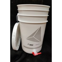 7 Gallon Plastic Fermenter with lid & spigot