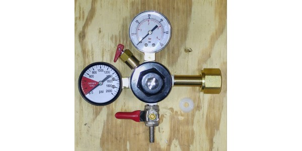 Co2 Regulator - Dual Gauge